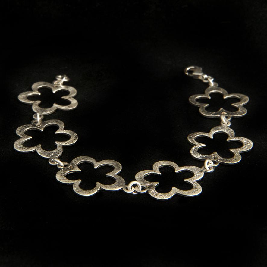 Bracelet fleur, argent 55 euros