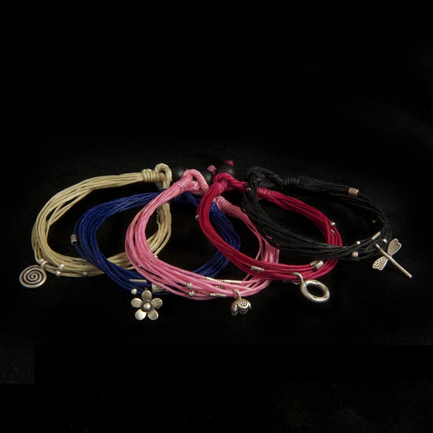 Bracelets perles d'argent et coton ciré, 10 euros