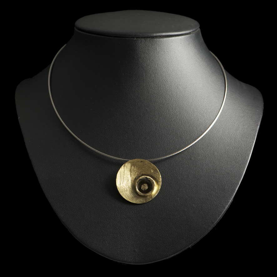 Collier bronze, createur grec  39 euros