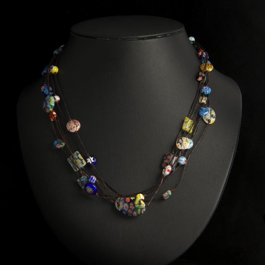 Collier perles de verre 35 euros