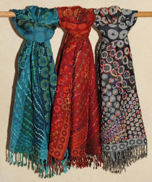 Echarpe en laine douce, 55 euros